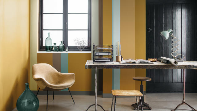 decorate-with-striking-stripes